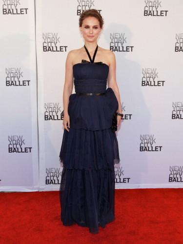Attending the New York City Ballet's Spring Gala at David H. Koch Theater, линкольн Center, NYC (May