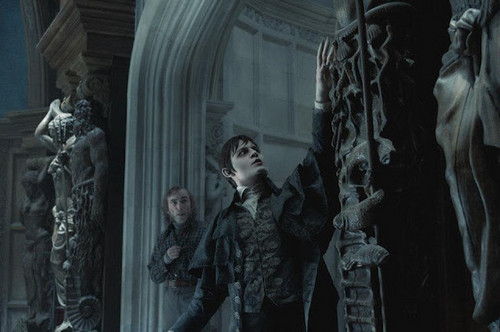 Tim Burton's Dark Shadows wallpaper possibly with a fountain called Barnabas Collins Dark Shadows