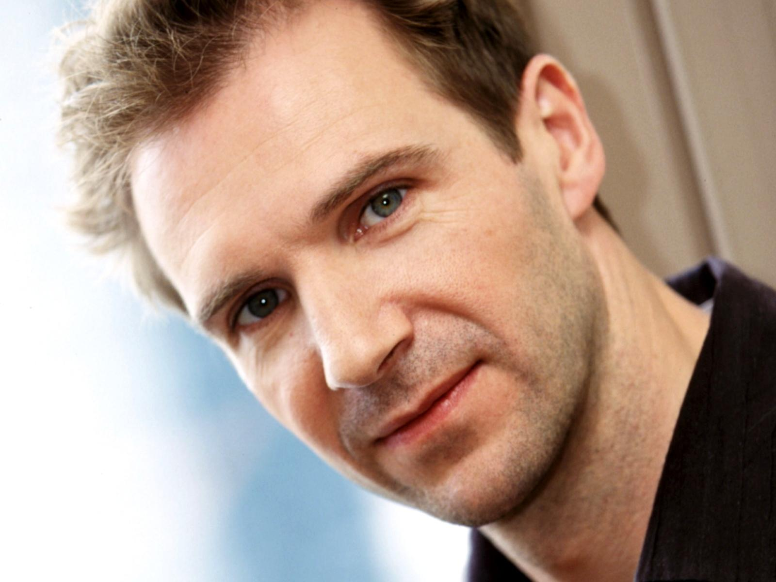 Ralph Fiennes Beautifu...
