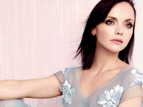 Christina Ricci karatasi la kupamba ukuta probably with a portrait called Christina Ricci