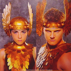 The Hunger Games پیپر وال called Clove and Cato - Distict 2 Tribute Costumes