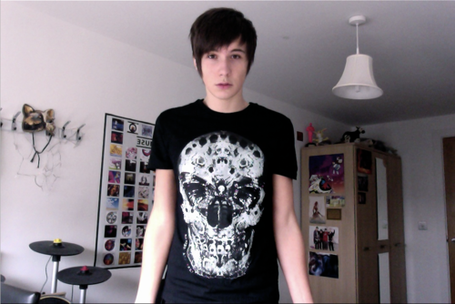 danisnotonfire wallpaper possibly containing a jersey entitled Dan Howell