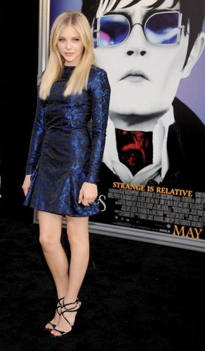 Chloe Moretz wallpaper entitled Dark Shadows LA Premiere