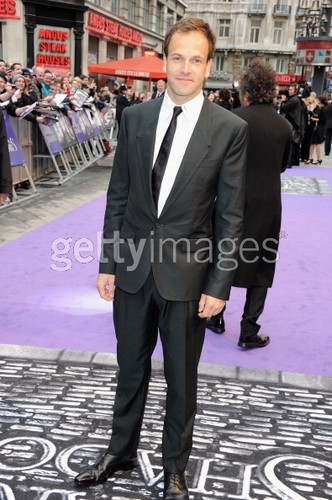 Dark Shadows Premier - tim-burtons-dark-shadows Photo