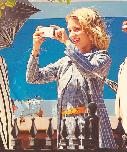 Dianna on set of Glee filming Goodbye episode