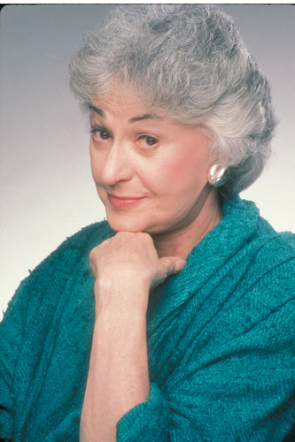 The Golden Girls wallpaper probably with a pullover titled Dorothy