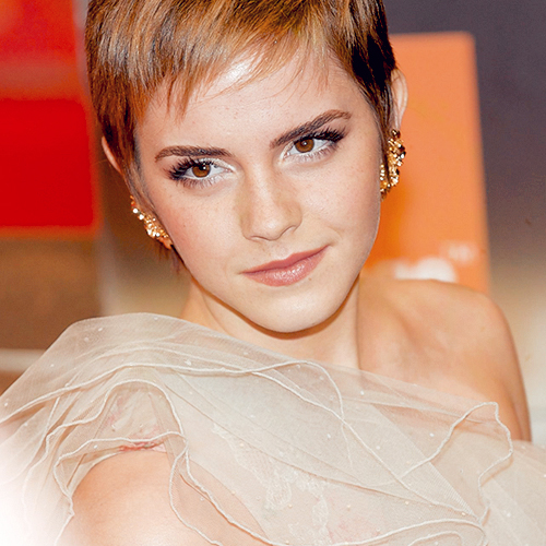 Emma Watson wallpaper probably containing a portrait titled Emma