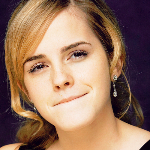 Emma Watson wallpaper containing a portrait entitled Emma