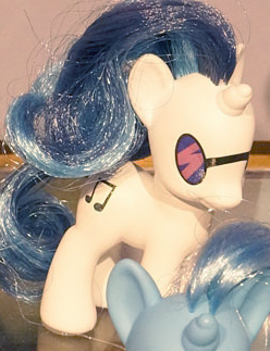 Expected Ponies#13: Vinyl Scratch