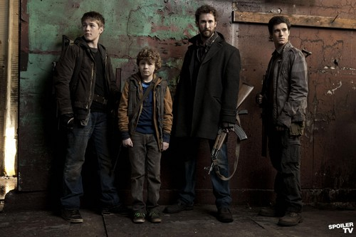 Falling Skies - Season 2 - The Masons - falling-skies Photo