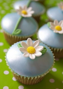 Food wallpaper containing a cupcake and a bouquet called Flower Cupcakes