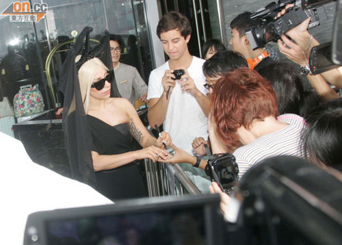 Gaga Leaving the Ritz-Carlton in Hong Kong (May 3rd) - lady-gaga Photo