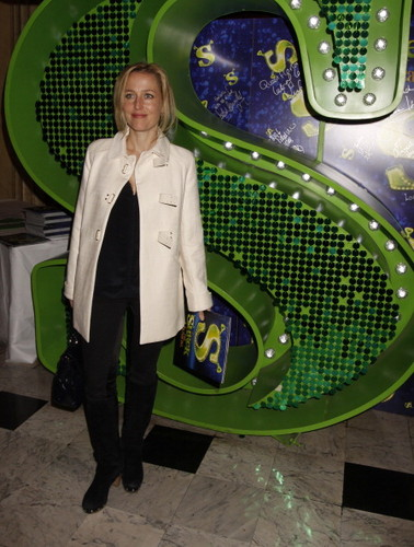 Gillian Anderson : shrek the Musical 1 año Anniversary