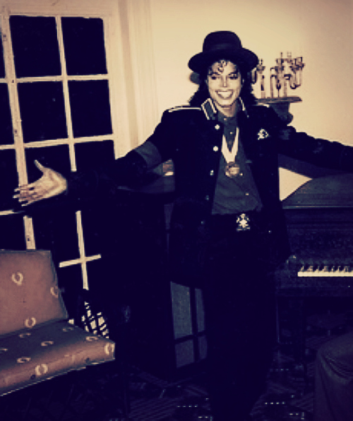 He outshines the stars .. ♥ Michael.}