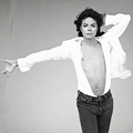 I BET YOUR KISS TASTES AS SWEET AS HONEY - michael-jackson photo