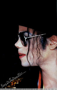 I WANT TO WHISPER IN YOUR EAR MICHAEL....I Cinta anda HONEY menanggung, bear
