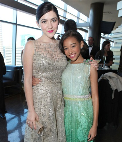 The Hunger Games wallpaper possibly with a bridesmaid titled Isabelle Fuhrman and Amandla Stenberg