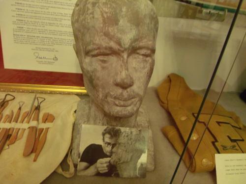 James Dean's sculpture