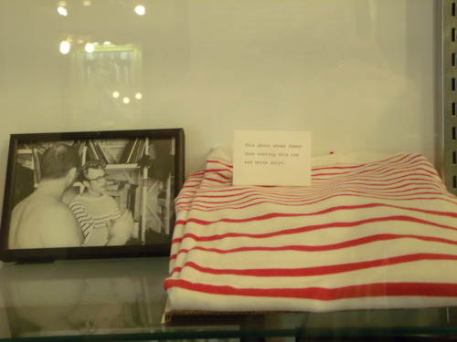 James Dean's stripped baju