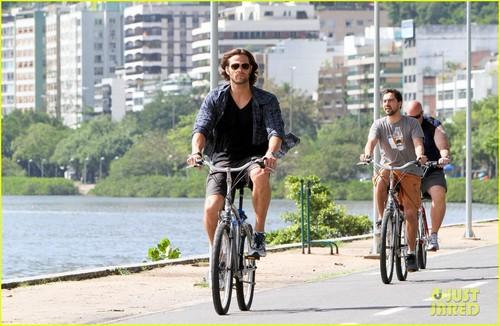 Jared Padalecki Bikes in Brazil