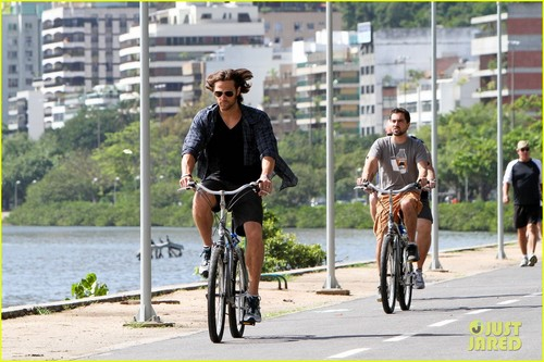 Jared Padalecki Bikes in Brazil - jared-padalecki Photo