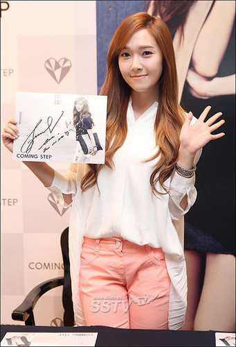 S♥NEISM hình nền possibly with a well dressed person, an outerwear, and a portrait entitled Jessica @ Coming Step Fansigning Event