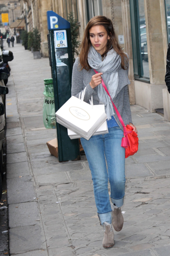 Jessica - Shopping in Paris - March 02, 2012