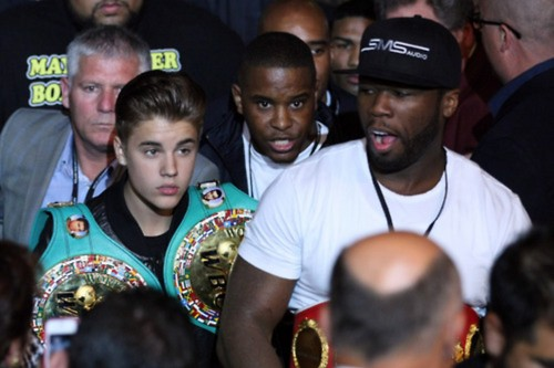 Justin Bieber and 50 Cent at Mayweather vs Cotto Fight - justin-bieber Photo