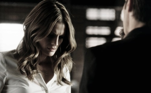 Kate Beckett karatasi la kupamba ukuta containing a business suit, a well dressed person, and a suit called Kate <3