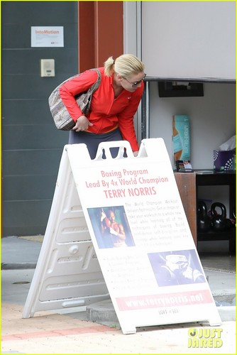 Katherine Heigl: Boxing Lessons with Terry Norris! - katherine-heigl Photo