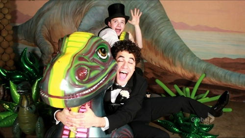 Kurt and Blaine wallpaper with a triceratops entitled Klaine Prom Photo
