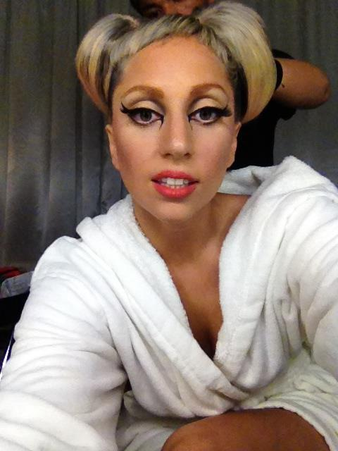 http://images5.fanpop.com/image/photos/30700000/Lady-gaga-lady-gaga-30713379-480-640.jpg