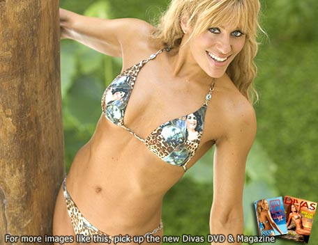 Lilian Garcia پیپر وال containing a bikini entitled Lilian Garcia Photoshoot Flashback