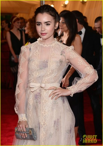 Lily Collins - Met Ball 2012 - lily-collins Photo