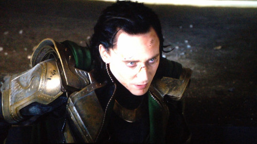 Loki versus hulk screenshot