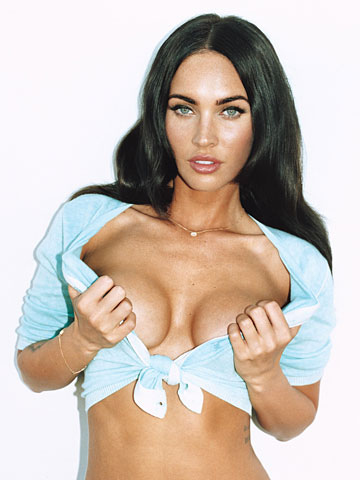 Megan cáo, cáo, fox hình nền entitled Megan Fox