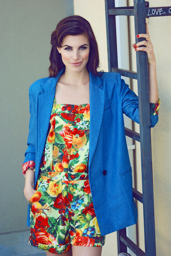 Meghan Ory Photoshoot por Michael Freeby