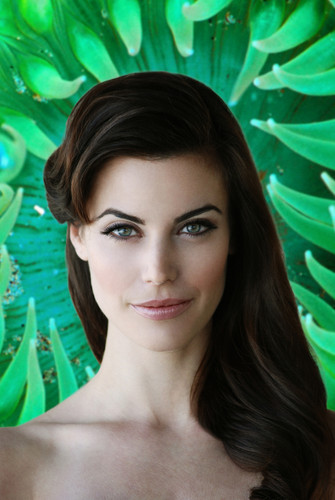 Meghan Ory Photoshoot oleh Michael Freeby