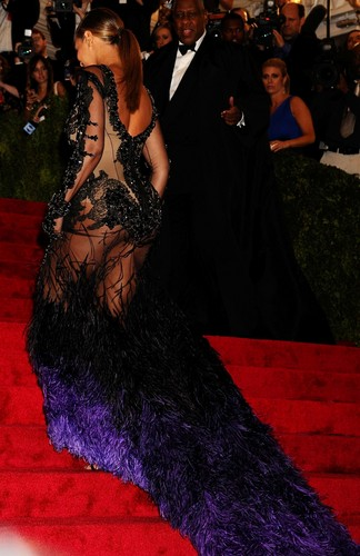 Beyonce images Metropolitan Museum Of Art's Costume Institute Gala In NYC [7 May 2012] HD wallpaper and background photos