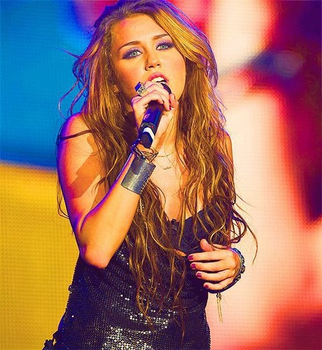 Miley Cyrus  - zainah122 Photo