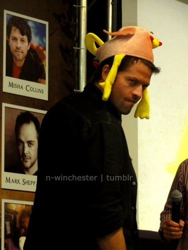 Misha Collins images Misha at Roadhouse Con wallpaper and background photos