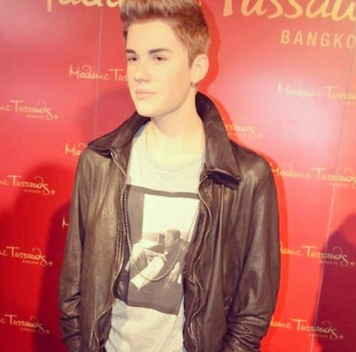 New Justin Bieber wax figure at Madame Tussauds in Bangkok!