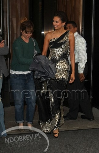 Nina leaving her Hotel in NY for the MET Gala