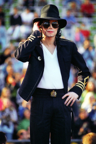 OOOOOOH MY GOD MICHAEL te TAKE MY BREATH AWAY te SEXY SEXY MAN!!!!!!