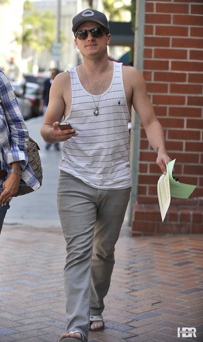 Out and about Beverly Hills - josh-hutcherson Photo