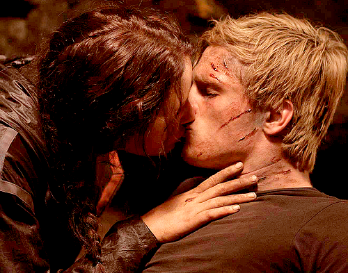 Peeta&Katniss - peeta-mellark-and-katniss-everdeen Fan Art