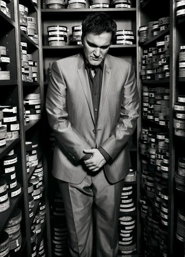 Quentin Tarantino fondo de pantalla probably with a business suit and a tobacco comprar entitled Quentin Tarantino