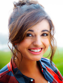 Rebecca Black fondo de pantalla probably with a portrait entitled Rebecca Black