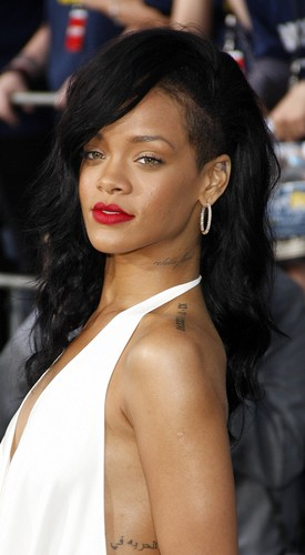 Rihanna wallpaper possibly containing a portrait called Rihanna Battleship Premiere 2012