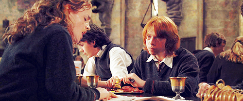 Romione wallpaper probably containing a brasserie, a dinner table, and a dinner called Romione